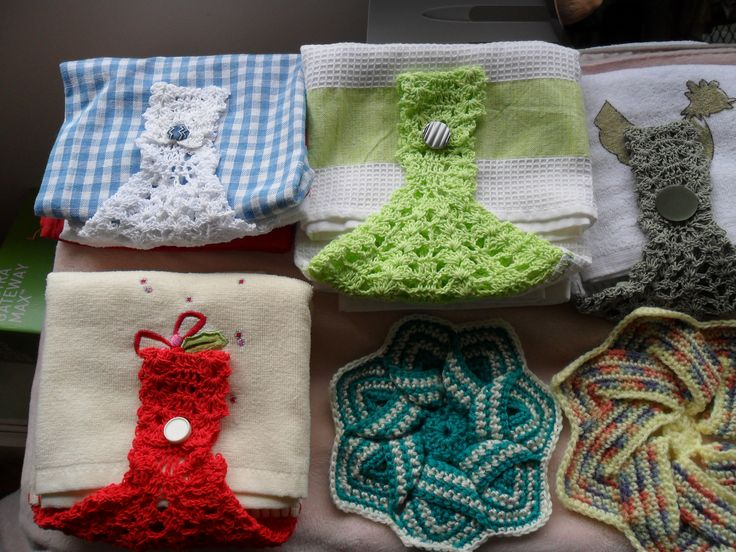 hand towel and pot holders