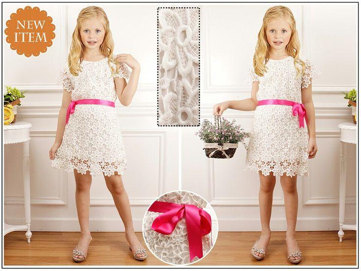 Dress brukat import dengan kualitas bagus dgn harga 70.000 + pita untuk anak umur 3-4 thn dan 5-6 thn untuk pemesanan bisa add 2810652D atau wa 0818114236