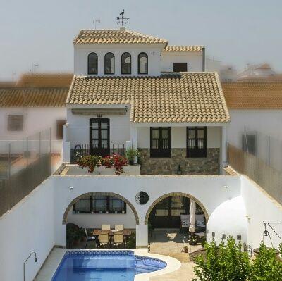 Exterior estilo mediterraneo color turquesa marron - Casa estilo mediterraneo ...