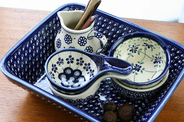 polish pottery - I have some bakers and bowls in these patterns