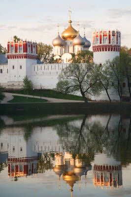 #Russian churches Novodevichy Convent, Russia. This is a beautiful place to visit.