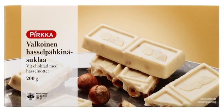 Pirkka valkoinen hasselpähkinämaitosuklaa on belgialaista herkullista ja laadukasta valkosuklaata kokonaisten hasselpähkinöiden kera.