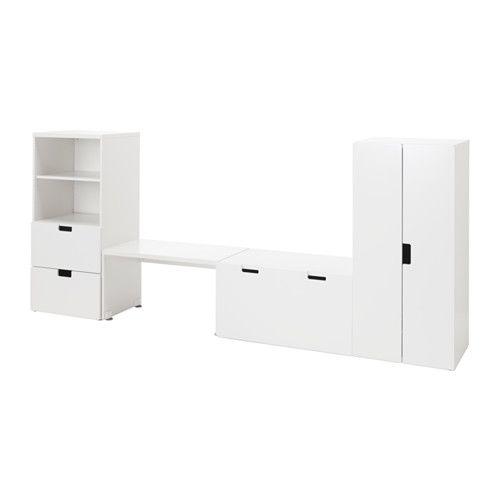 STUVA Aufbewahrung mit Bank IKEA Auf Kindergröße abgestimmt, damit die Kleinen alles erreichen und selbst aufräumen können.