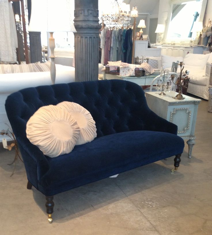 10 Best Images About A Sofa For Me On Pinterest Blue Velvet Sofa Fabrics And Velvet