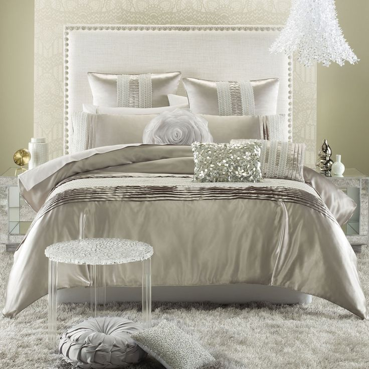 Bedroom Delightful Hollywood Glamour Luxury Bedding With Modern Headboard And Fur Rug Also Luxurios Pendant Lamps Personable Hollywood Glam Bedding Design Ideas