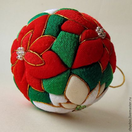Quilted Ornament Pointsettia Red Green White Christmas Tree