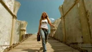Miranda Lambert – Kerosene #CountryMusic #CountryVideos #CountryLyrics http://www.countrymusicvideosonline.com/kerosene-miranda-lambert/   country music videos and song lyrics  http://www.countrymusicvideosonline.com