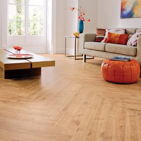 RP11 American Oak Living Room Flooring - Da Vinci This floor would look amazing in your Edinburgh tenement. http://www.floorcovering-edinburgh.com/karndean/