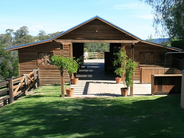 Horse Stables Sydney   Horse Paddock Shelters & Stable Builders