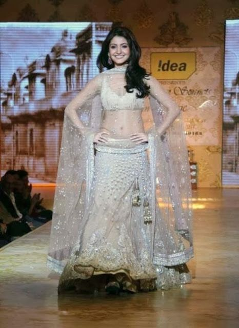 #AnushkaSharma in #ManishMalhotra White #DesignerLehenga