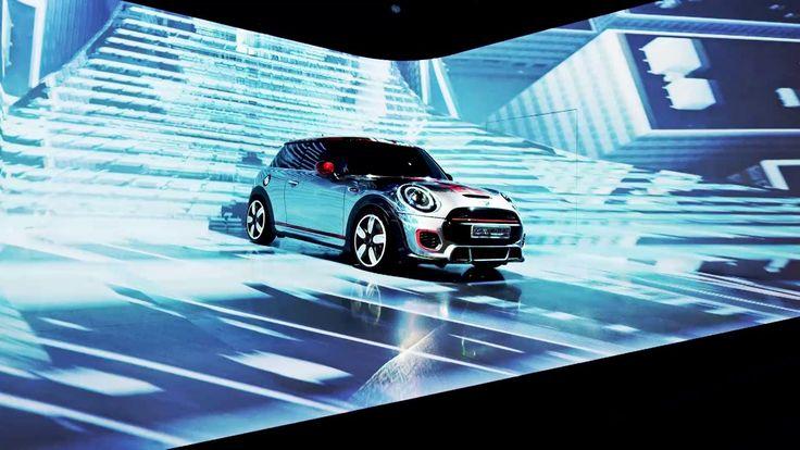 International Mini Dealer Experience Проекция вокруг машины - крутое ощущение движения