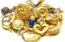 Are you looking for scrap gold buyers in Nerang? The Gold King is among the best gold buyers who assure to provide you with the best cash offers. We can buy gold or silver jewellery at great prices.