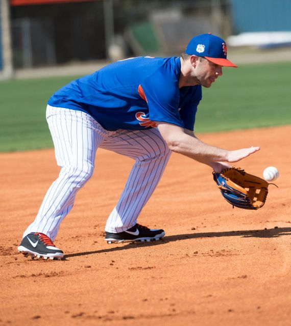 New York Mets' David Wright takes grounders during a spring training workout on Friday, Feb. 17, 2017, in Port St. Lucie, FL.