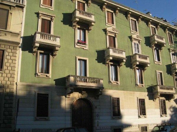 Via G. De Alessandri 3 - 360.000 trattabili - corpo interno 3*piano mono esposto Balcone al centro..
