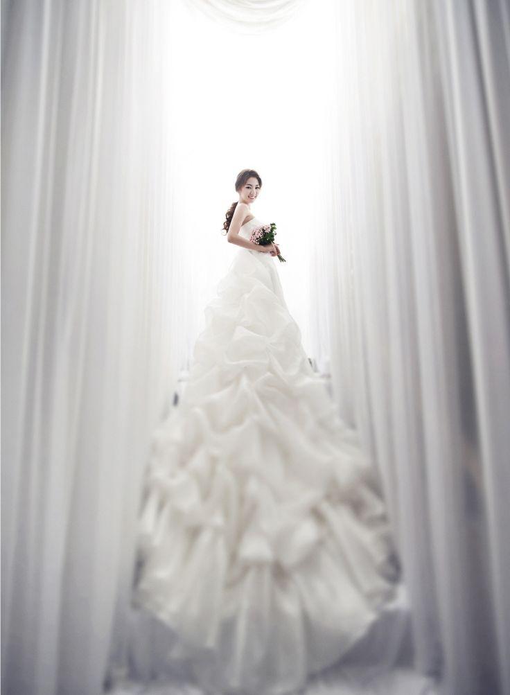 Korea Pre-Wedding Photography in Studio & Dosan Park, Seoul by May Studio on OneThreeOneFour 16