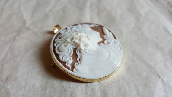 Gold cameo brooch and pendant, ideal gift.  #donadiojewelry #cameojewelry #brooch #pendant #gold
