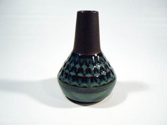 Elegant 1960's Søholm Denmark blue vase designed by Einar Johansen, no. 3323