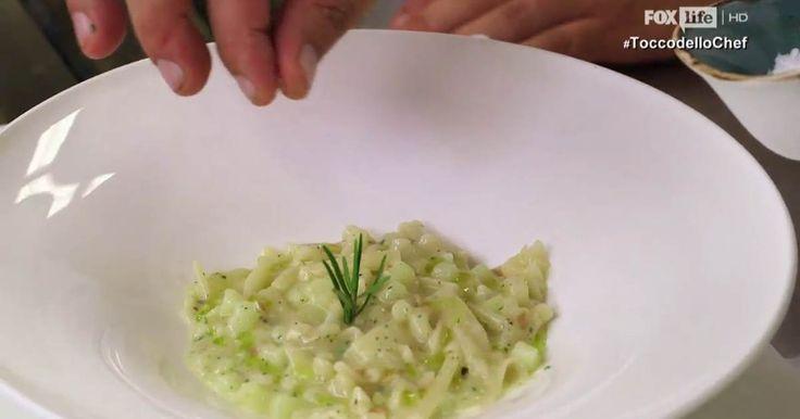 Ricetta della pasta mista con patate e provola affumicata, appetitosa, fragrante e vellutata, facile da realizzare e creata dallo chef Antonino Cannavacciuolo.
