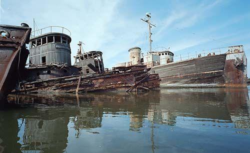 Italian Food Near Me Abandone Building Casa: 1000+ Images About Schiffswracks, Shipwrecks On Pinterest