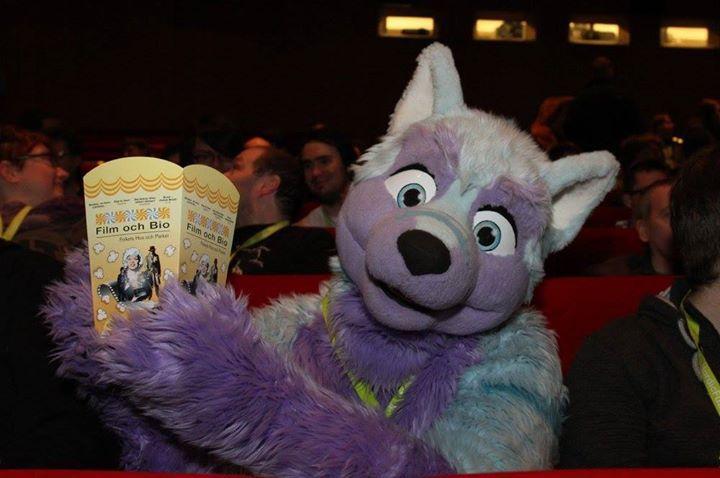 This was me watching #Zootopia #ZooU #ZooMe #Zoomania #Zootropolis at the cinema at Nordicfuzzcon :3 #popcorn