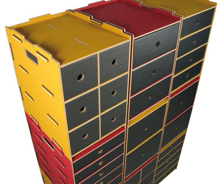 Werkhaus - Archivboxen. Zeit zum Aufräumen! Unsere Archivboxen gibt es in 5 verschiedenen Einteilungen und 4 frischen Farben. Alle Archivboxen sind untereinander kombinier- und bis zu zwei Meter hoch stapelbar. Die nötige Stabilität wird durch die klugen Verbindungen gewährleistet: einfach stapeln, Gummiringe um die Verbindungen ziehen und – fertig. http://www.werkhaus.de/shop/index.php?cat=c514_Archivbox-Archivbox.html