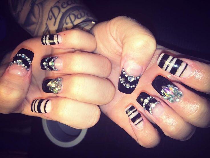 Acrylic nails specialist 0403644919