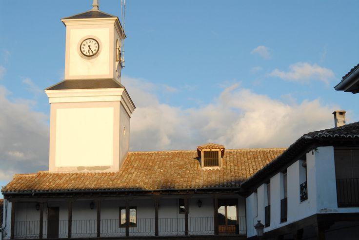 Torre del Reloj en la plaza de la Constitución de Valdemoro