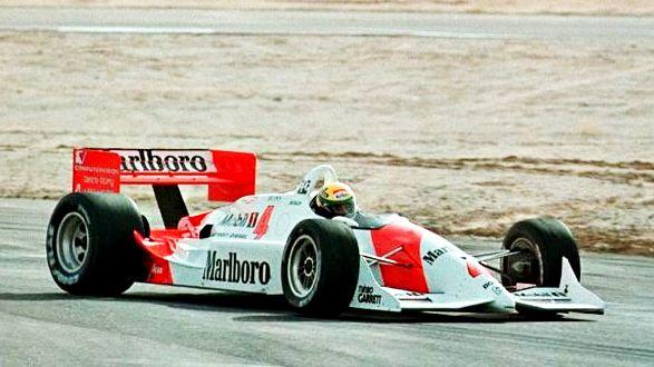 Achou o carro meio estranho? É que este não é um McLaren de Senna, e sim um Penske PC-21 usado pelo brasileiro em um teste quase secreto em 1992 nos EUA. Relembre a história em: