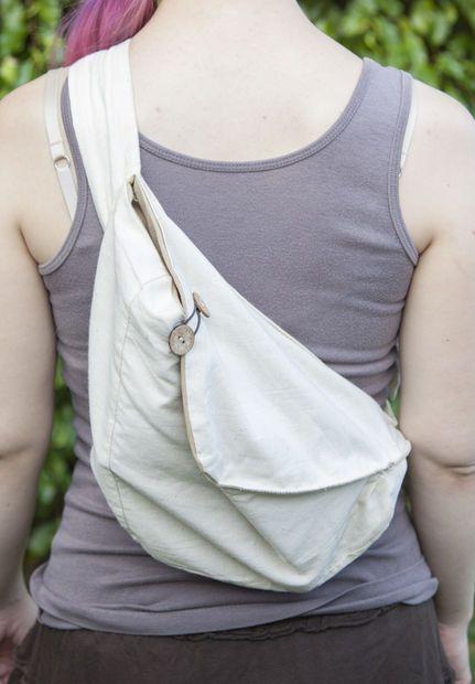 Hands-free hobo bag