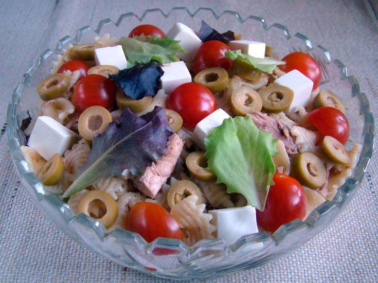 Итальянский салат, способный конкурировать с салатом оливье на  новогоднем столе.