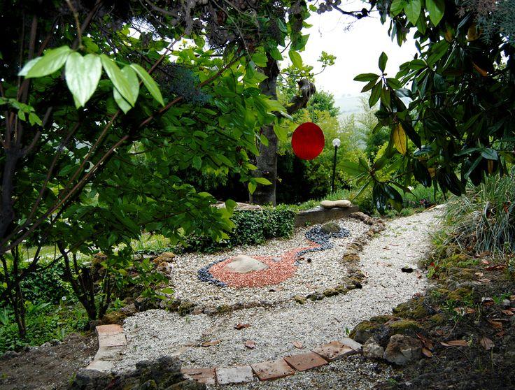 Zen Space, land art by Giordano Berti and Letizia Rivetti (Cascina dei Frutti - Mango CN - Italy)