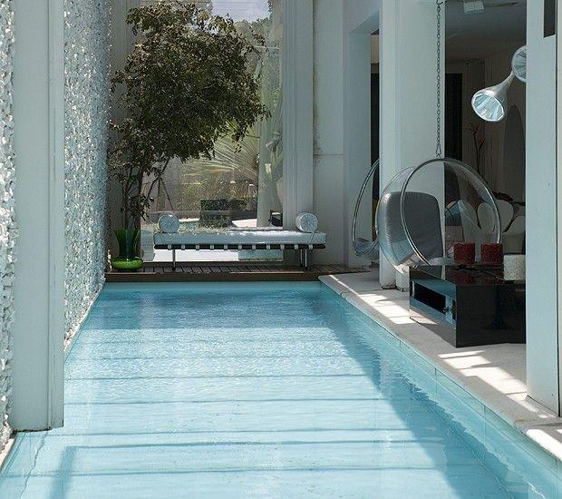 25 melhores ideias sobre piscinas internas no pinterest - Piscina interna casa ...