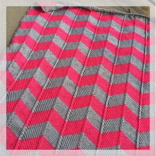 Two Color Baby Blanket Knitting Pattern : 25+ best ideas about Chevron baby blankets on Pinterest Baby chevron, Chevr...