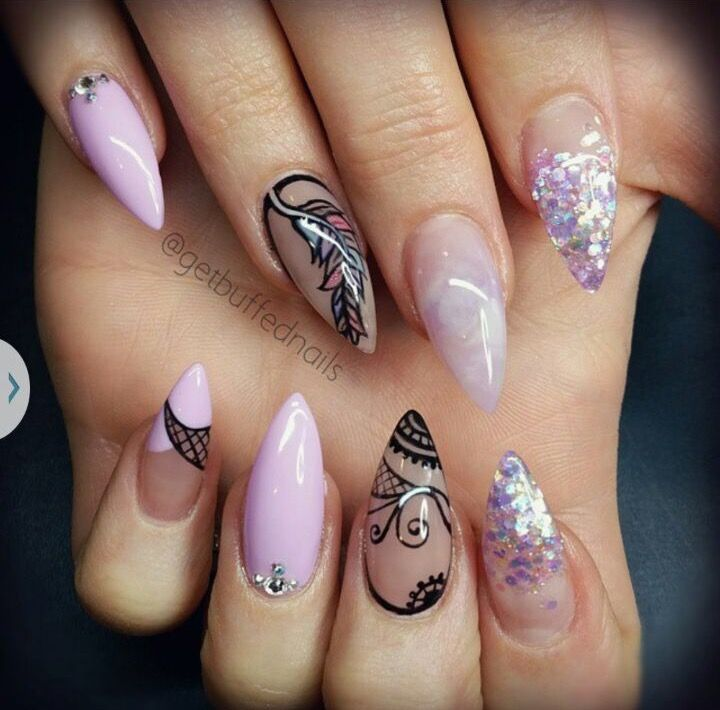 Dusty lavender and black nails omg i wish i had this♥️