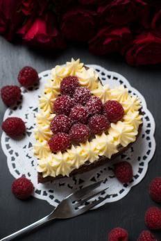 torta di San Valentino al cioccolato  http://www.gustissimo.it/ricette/torte/torta-di-san-valentino-al-cioccolato.htm