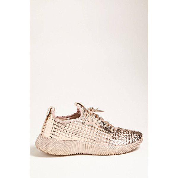 Forever21 Metallic Low-Top Tennis Shoe (485 ARS) ❤ liked on Polyvore featuring shoes, sneakers, rose gold, lace up shoes, metallic tennis shoes, platform lace up shoes, platform tennis shoes and low profile sneakers