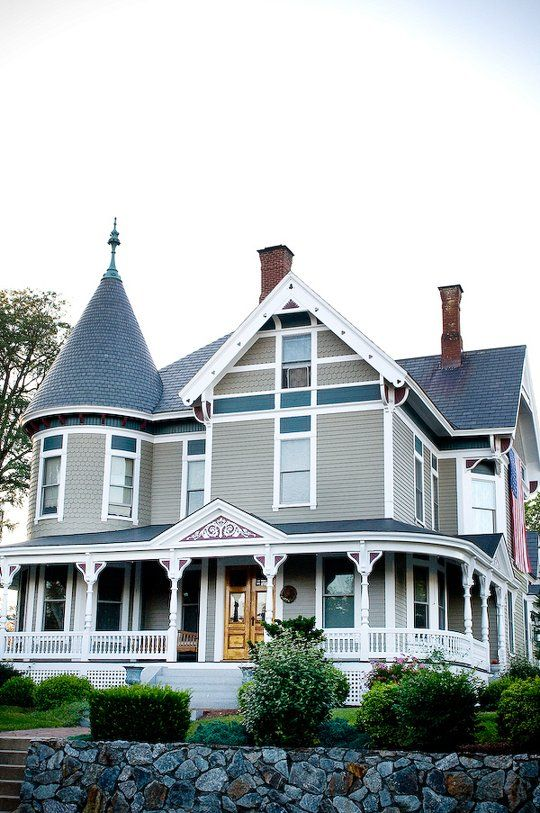 10 Victorian Homes in Manchester, New Hampshire | Apartment Therapy