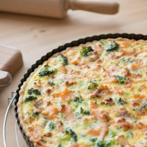Quiche met zalm, broccoli en geitenkaas