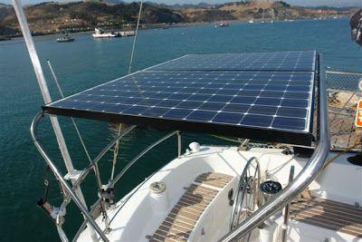 Painel solar utilizado para gerar energia em uma embarcação (lancha, iate, barco, jangada, catamarã, e etc).