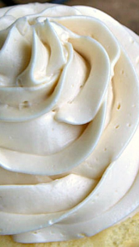 Simple recipe for light and fluffy Maple Buttercream Frosting ~ so easy and delicious!