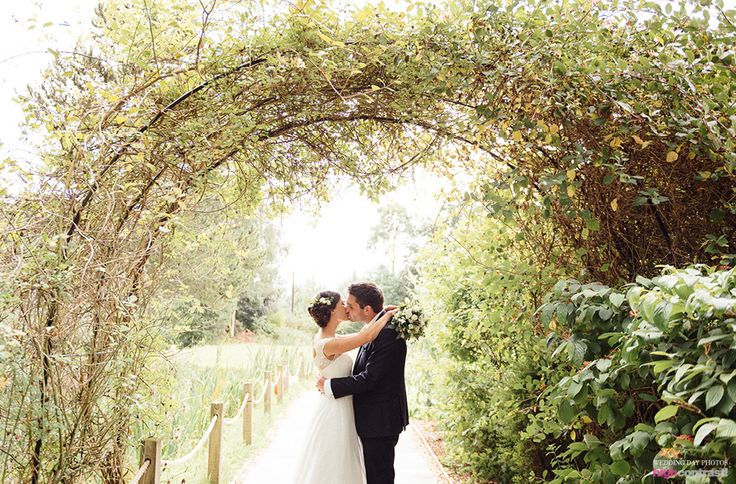 The Oak Tree of Peover, Wedding Couple Shots