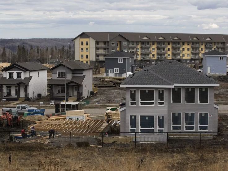 FORT McMURRAY— The story of Fort McMurray a year after the wildfire is really — to steal a title from Charles Dickens — a tale of two cities. In one city, Alberta's oilsands hub is the embodiment of its slogan Fort McMurray Strong, a blue-collar community again the image of industry and progress. Previously scorched […]