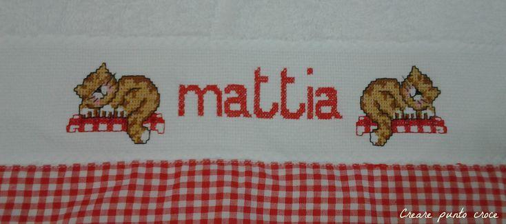 Asciugamano Mattia con ricamo a punto croce