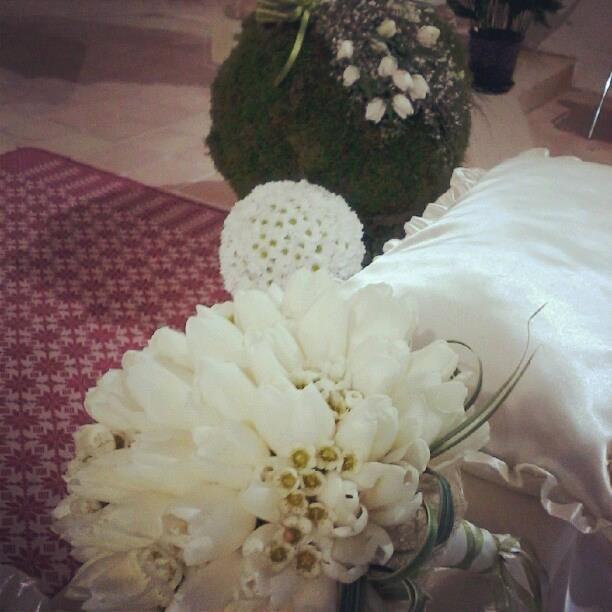 Bouquet da sposa tulipani bianchi e wax flowers