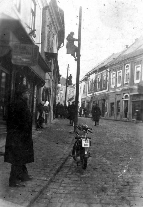 Fő tér a Rákóczi Ferenc utca felé nézve.