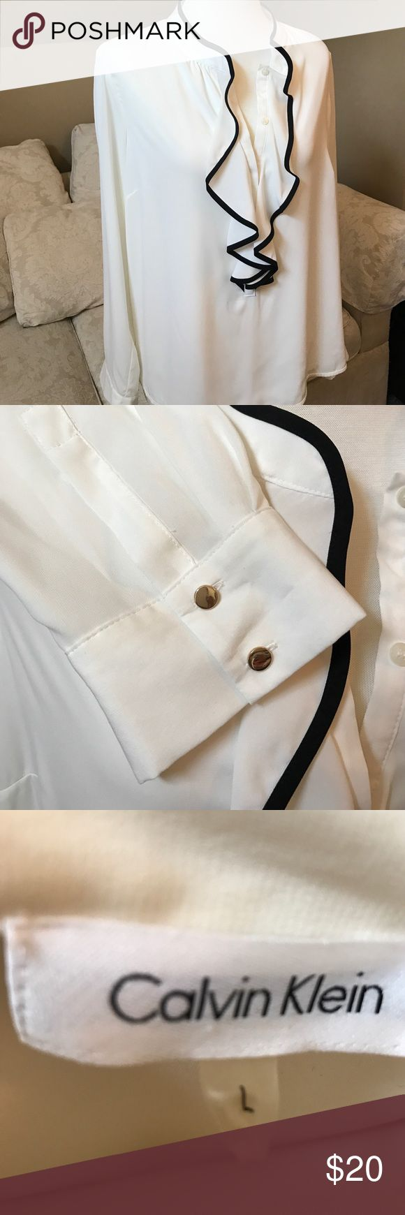 Calvin Klein women's cream color blouse Beautiful blouse. Casual with jeans or for work. Calvin Klein Tops Blouses