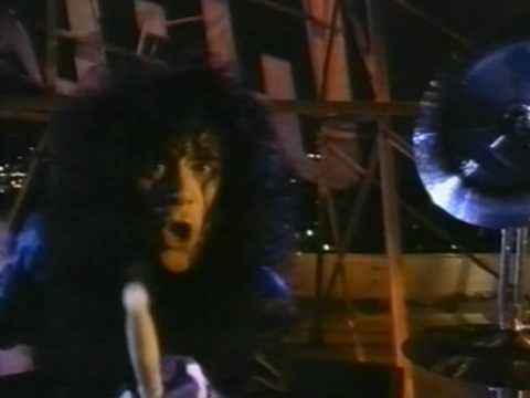 Kiss - Hide Your Heart - Alternate Uncensored Version (Johnny has a gun) - Music Video (1989) - YouTube