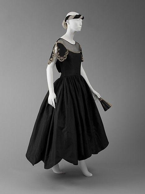 Robe de Style Design House: House of Lanvin (French, founded 1889) Designer: Jeanne Lanvin (French, 1867–1946) Date: ca. 1926 Culture: French Medium: silk