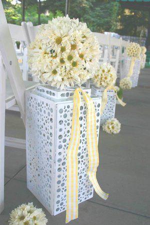 Flowers, Reception, Cake, Bouquet, Green, White, Ceremony, La partie events, Yellow, Boutonniere, Aisle, Daisy, Hippie, Daisies, Century, Mid