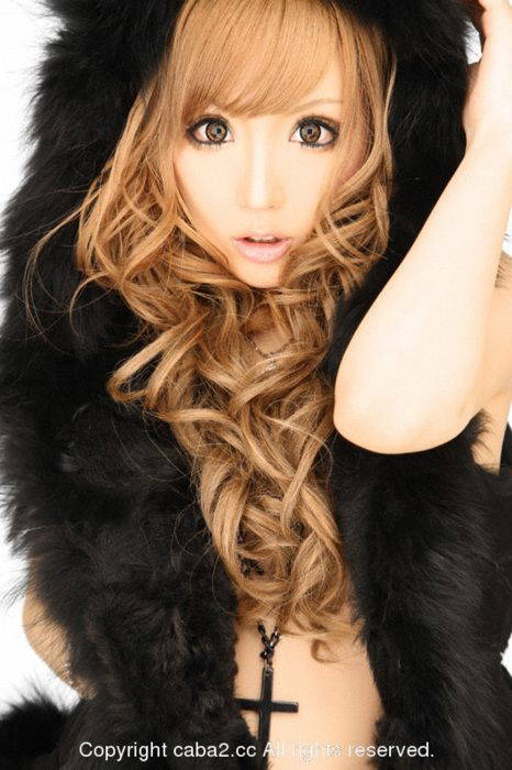 Gyaru hair and make up